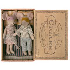 MAILEG Myszki Mama i Tata - Mum & dad mice in cigar box - kolekcja 2021